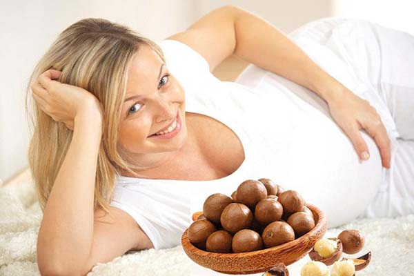 Hạt macca có nhiều thành phần dinh dưỡng rất tốt cho bà bầu và thai nhi