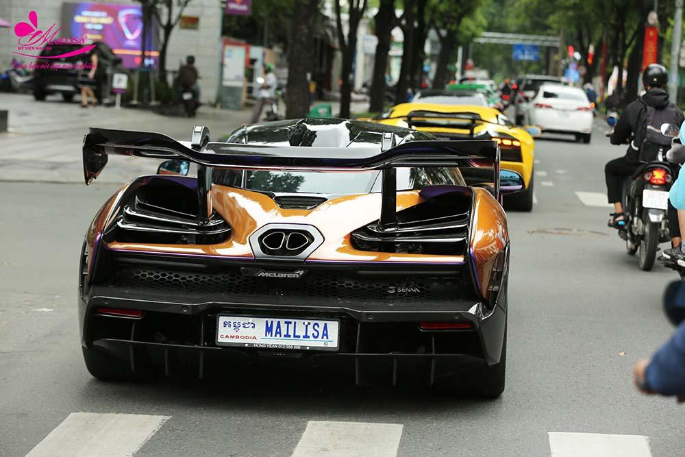 Khả năng thay đổi màu ở từng góc nhìn cũng là sự độc đáo của siêu xe McLaren Senna